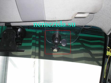 Крепление монитора в авто